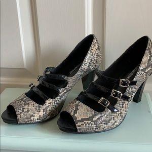 """Snakeskin"" naturalizer heels"